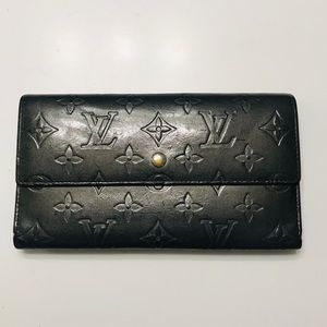 LOUIS VUITTON Matte Vernis International Wallet